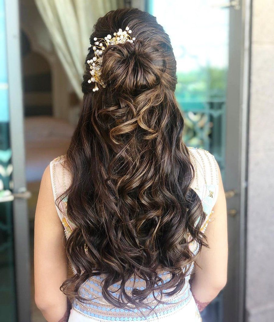 27 Effortlessly Stylish Half Tie Hairstyles We Spotted On Real Brides Hair Styles Bride Hairstyles Hairstyle