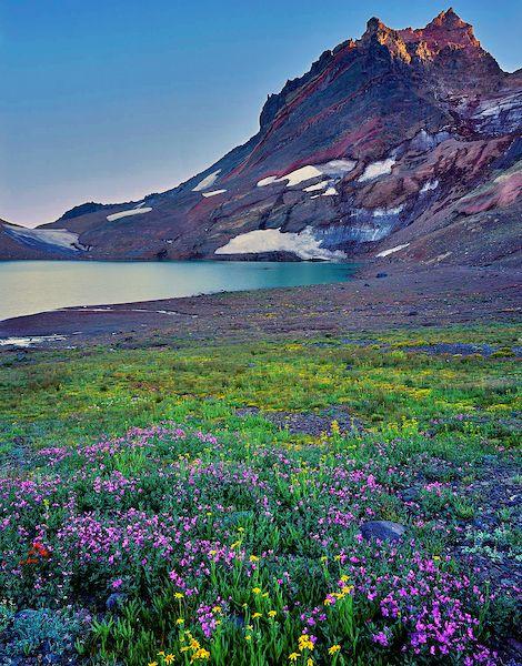 No-Name Lake - Broken Top in the Central Oregon Cascades
