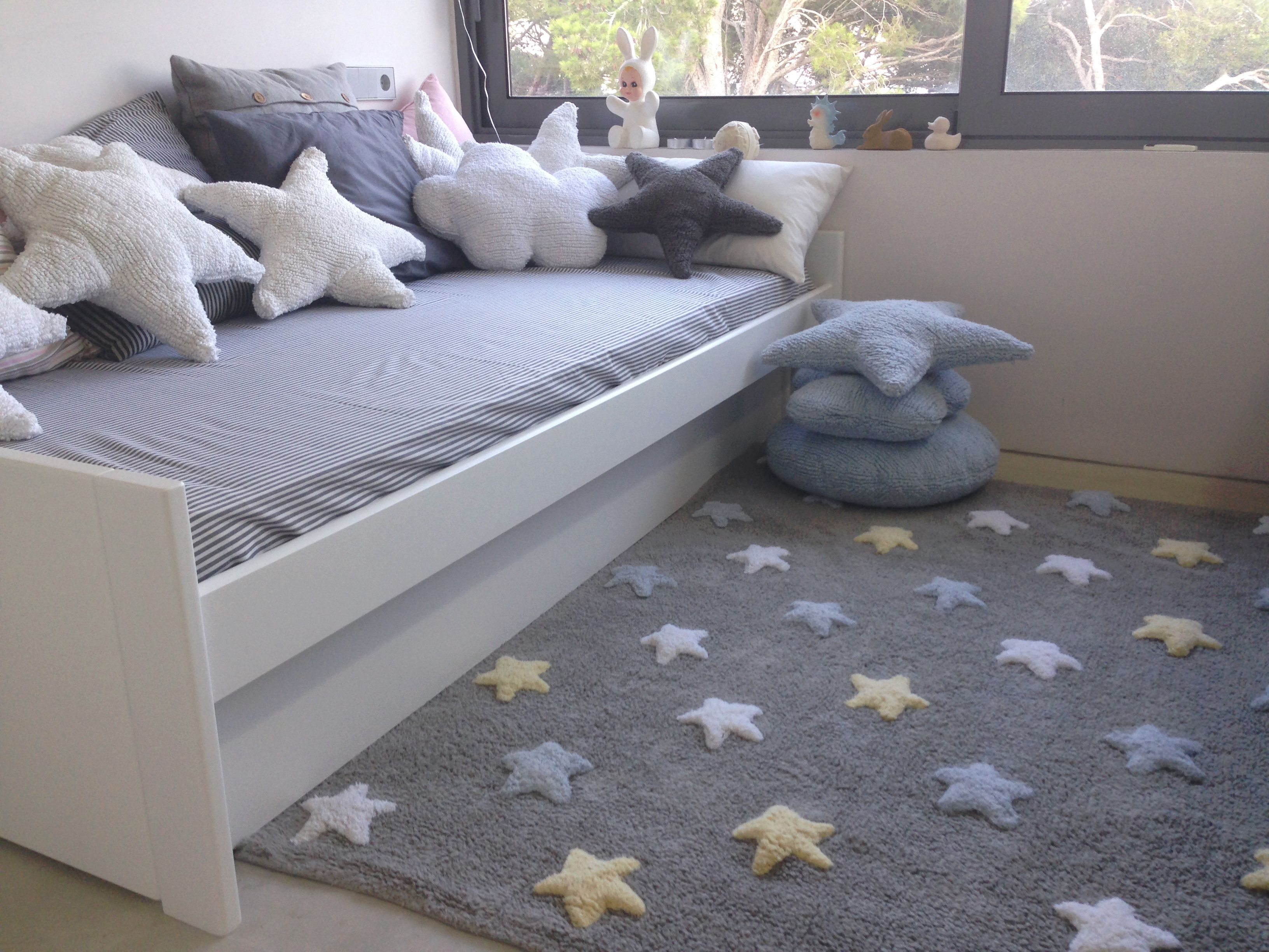 Washable cushions star / Cojines lavables estrella Lorena Canals ...