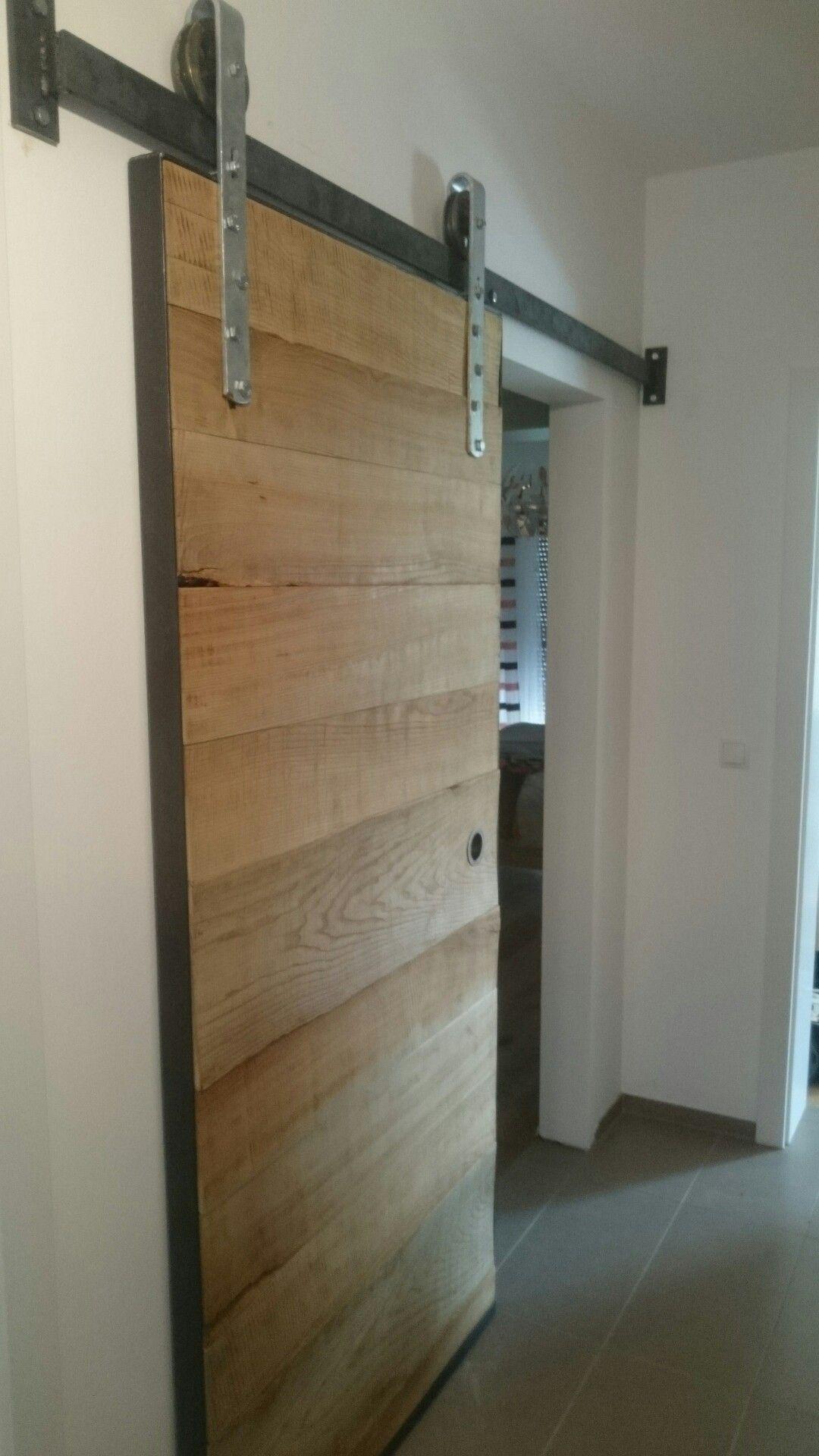 Schiebetür aus Eschenholz geölt und gebürstet. #woodendoor #wood #door