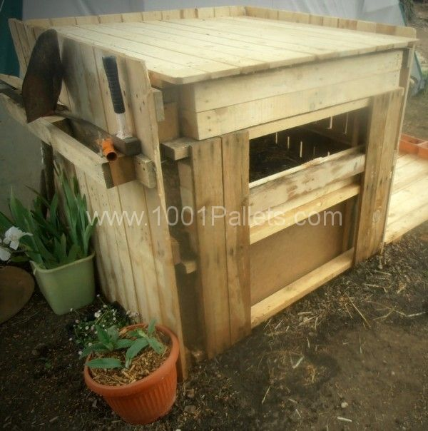 Easy Upcycled Pallet Into Compost Bin | Pallets garden ...