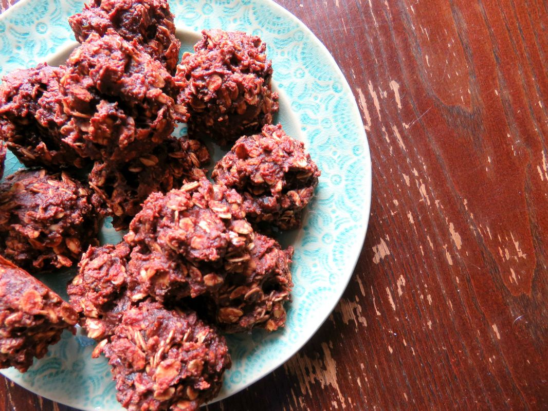 Gluten free chocolate banana oat cookies