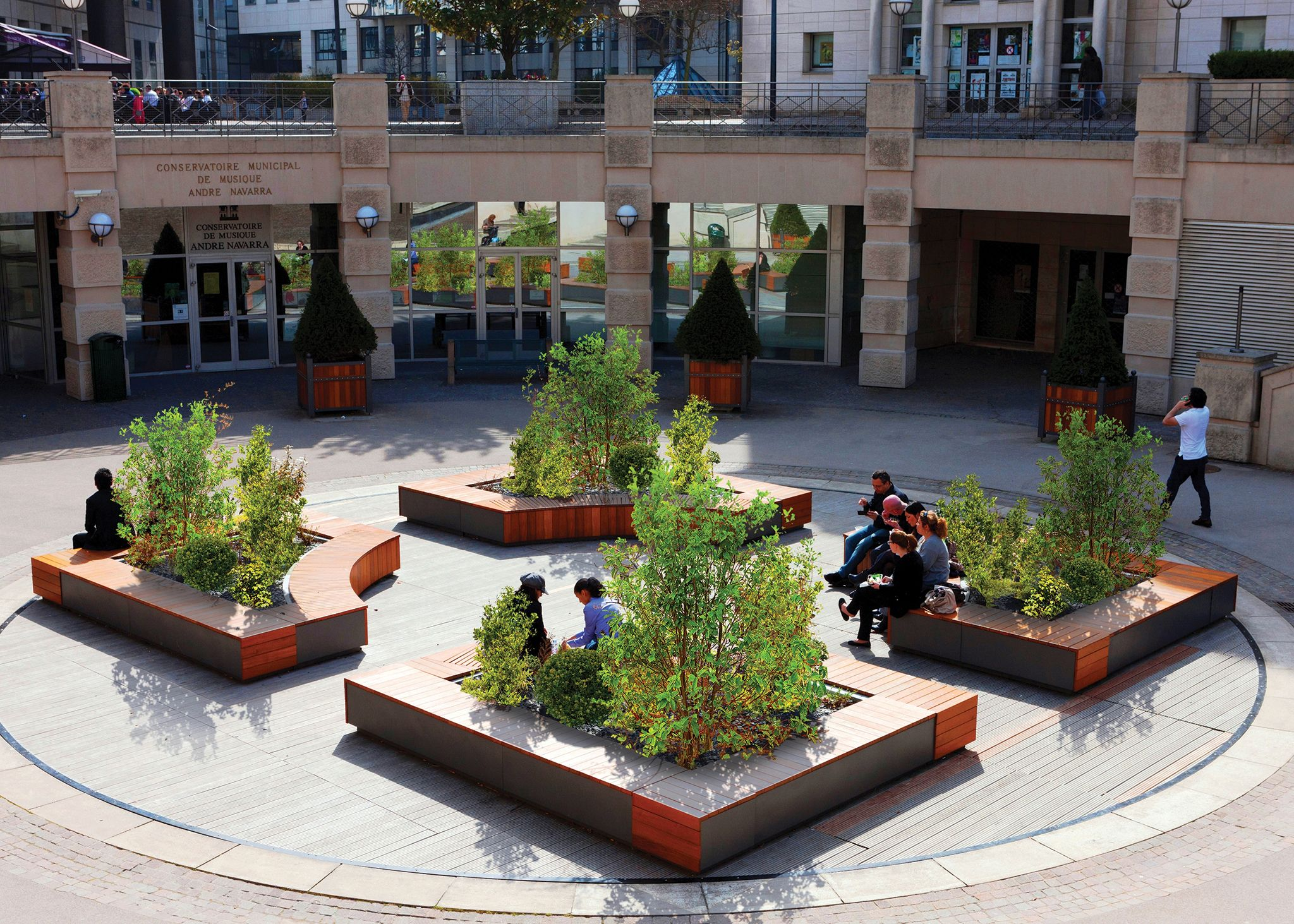 Create attractive public spaces with the use of planters ...