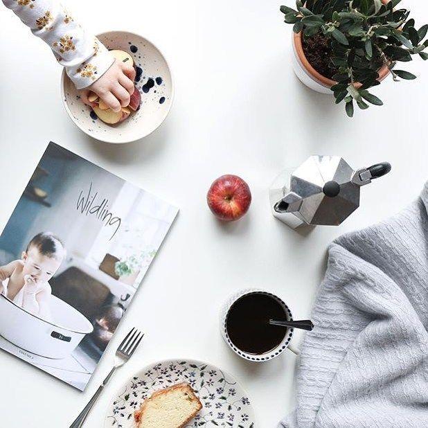 Cake coffee and #wildlingvolume3 for breakfast over at @humphreyandgrace this morning  Love this blanket by @dot_and_tom  #mustread #familybreakfast #familymagazine #indiemagazine #kidsfashion #familyjournal #familytravel #parenting #motherhood #consciousparenting #slowlife by wildlingmagazine
