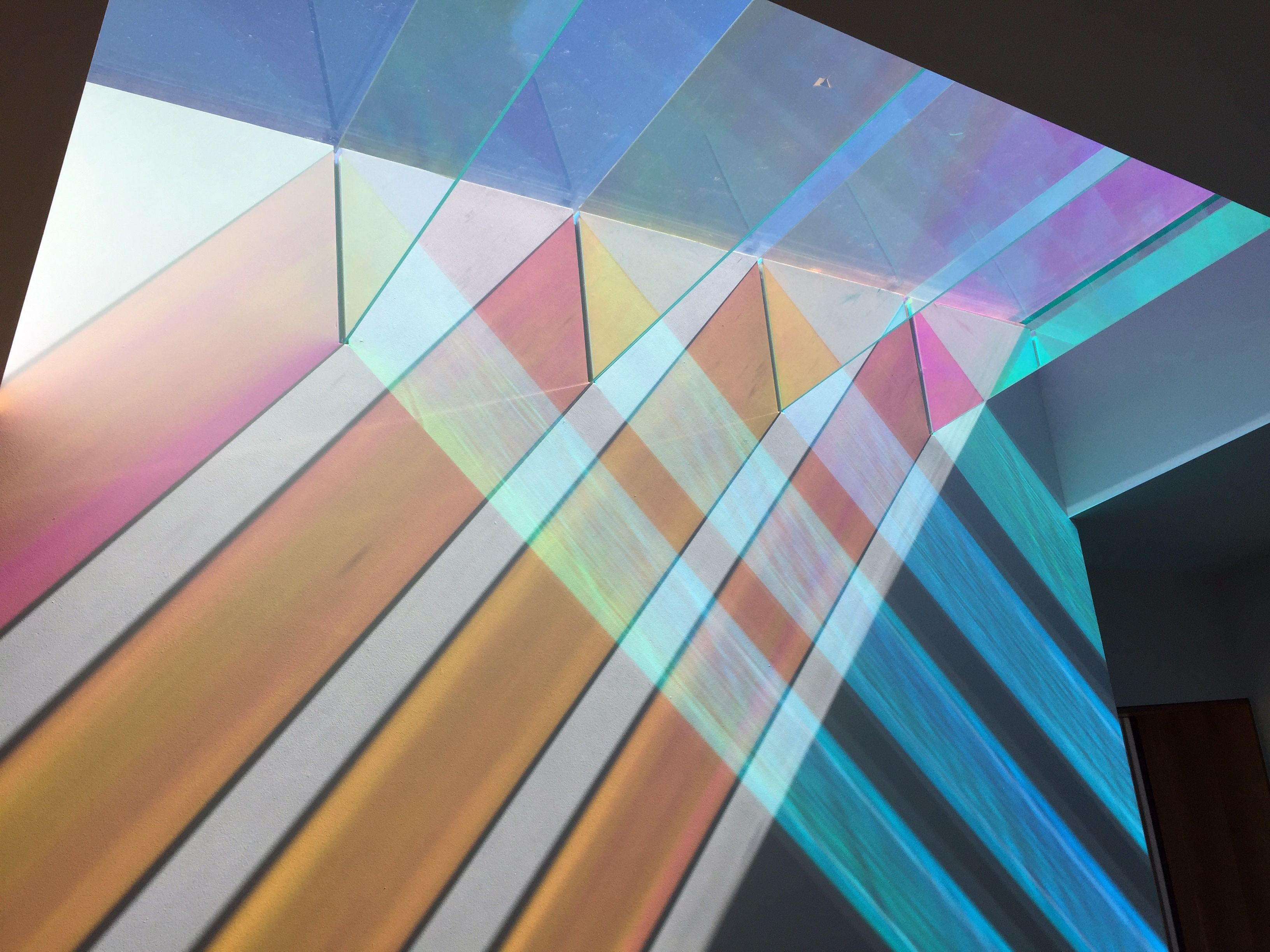 medium resolution of diacroic glass materials dichroic glass sunlight or electrical illumination