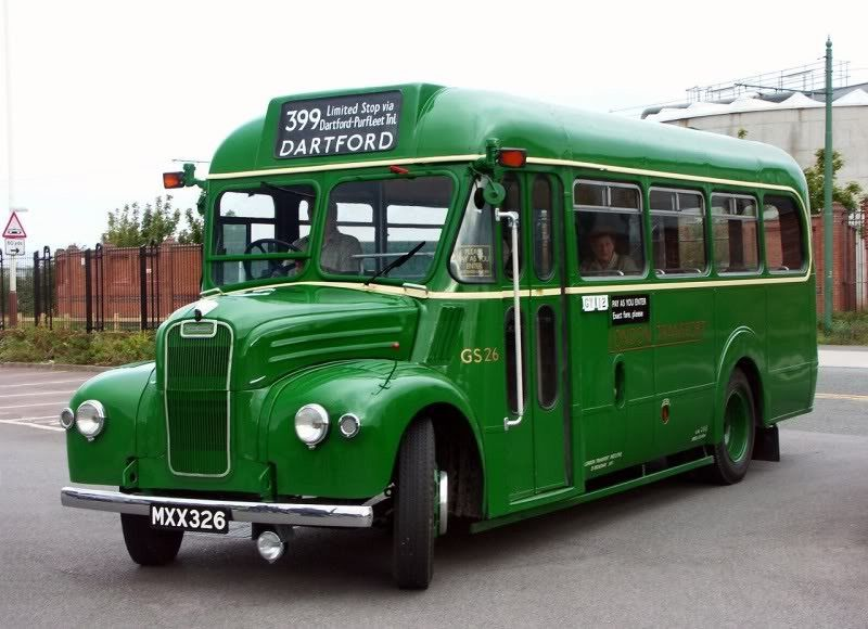 Classic Bus Classic Coach Vintage Buses Truck Uk Historic Bus Bus Coach London Bus