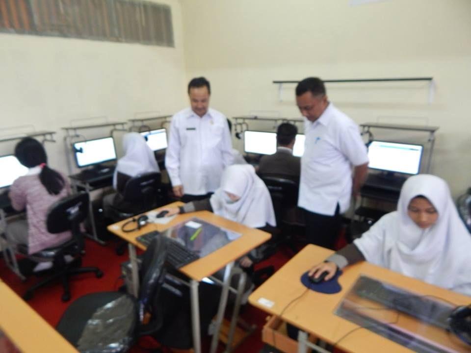 UNBK di SMKN 1 Kota Bogor Lancar, di SMKN 3 Terjadi Pemadaman Listrik Hampir 3 Jam