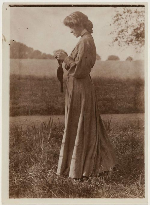 Woman Knitting Sock Outdoors, Gertrude Käsebier, American, Museum of Fine Arts Boston