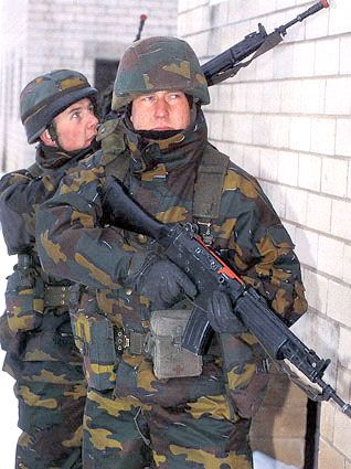 Belgian Military Uniforms   combat fied uniforms soldiers ...