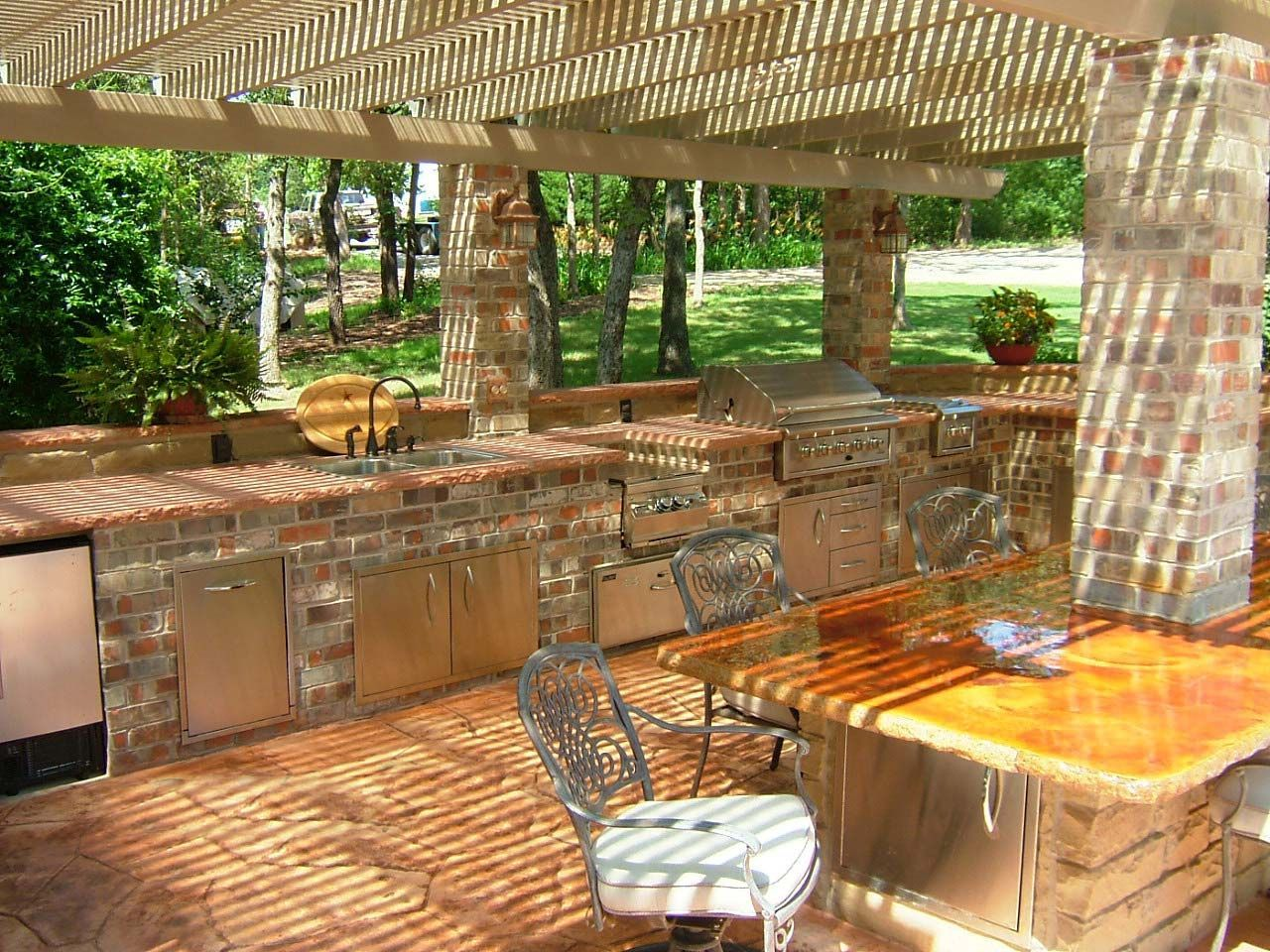 10 outdoor kitchen ideas and design on a budget to experience a fun cooking outdoor kitchen on outdoor kitchen ideas on a budget id=76096