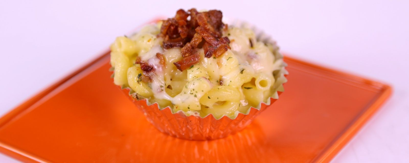 the chew mac and cheese cupcakes