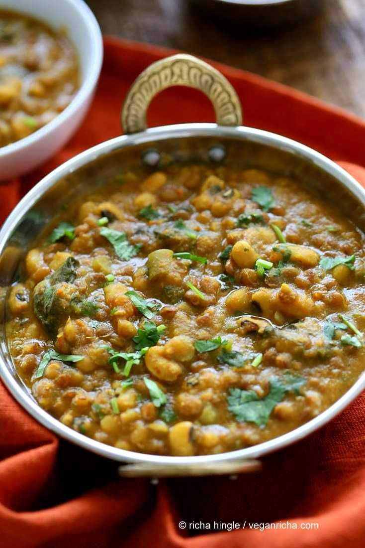 Lentil Black Eyed Pea Soup with Greens - Vegan Richa #blackeyedpeasrecipe