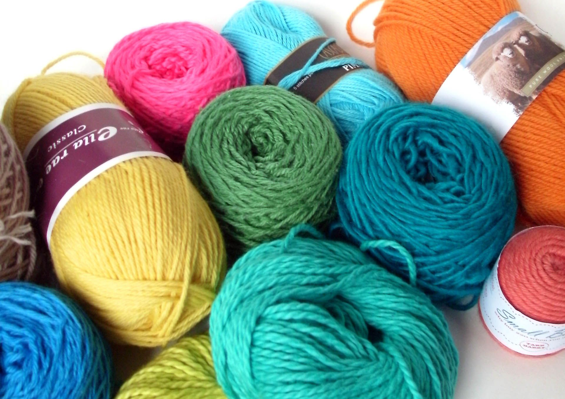 Every knitter and crocheter has one… it's called a 'yarn stash'. And, if left unchecked, your stash can quickly turn into an unkept mess that just seems to keep on growing (…