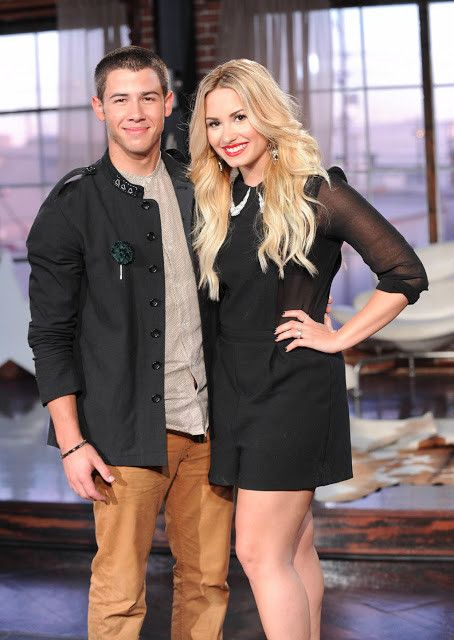 Demi Lovato dating Nick Jonas 2014 relativ dating virtuellt labb
