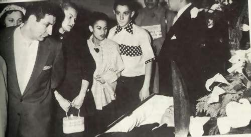 Fans attend the wake of John Garfield 39, in 1952.