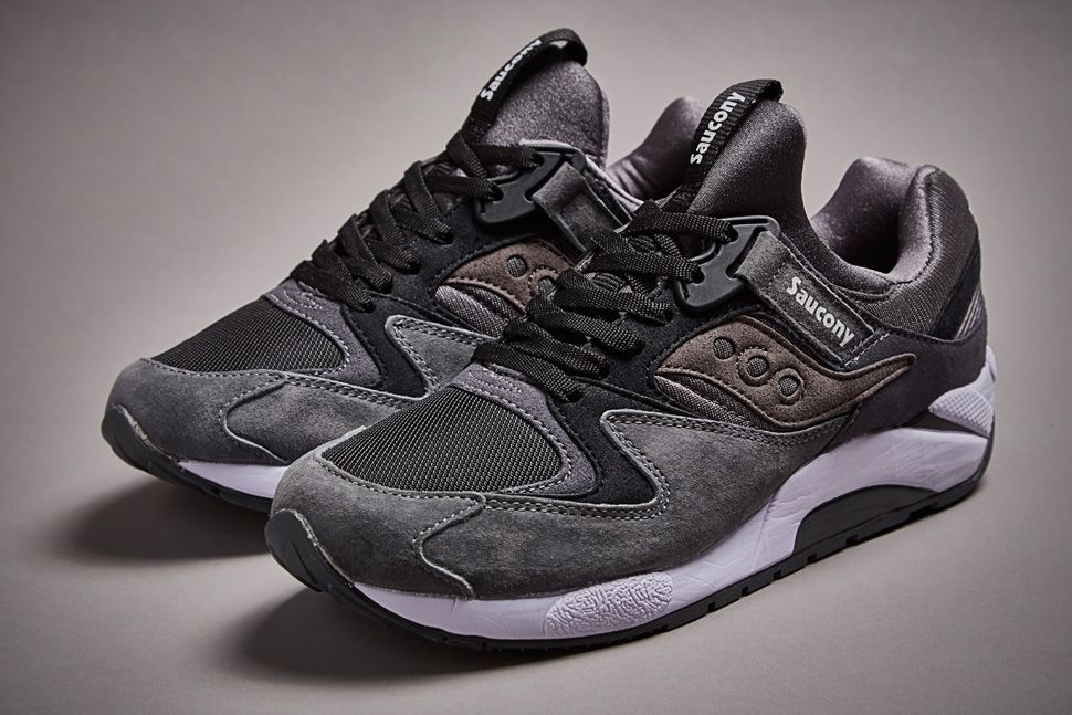 70b6bffff401 White Mountaineering x Saucony Grid 9000  Grey