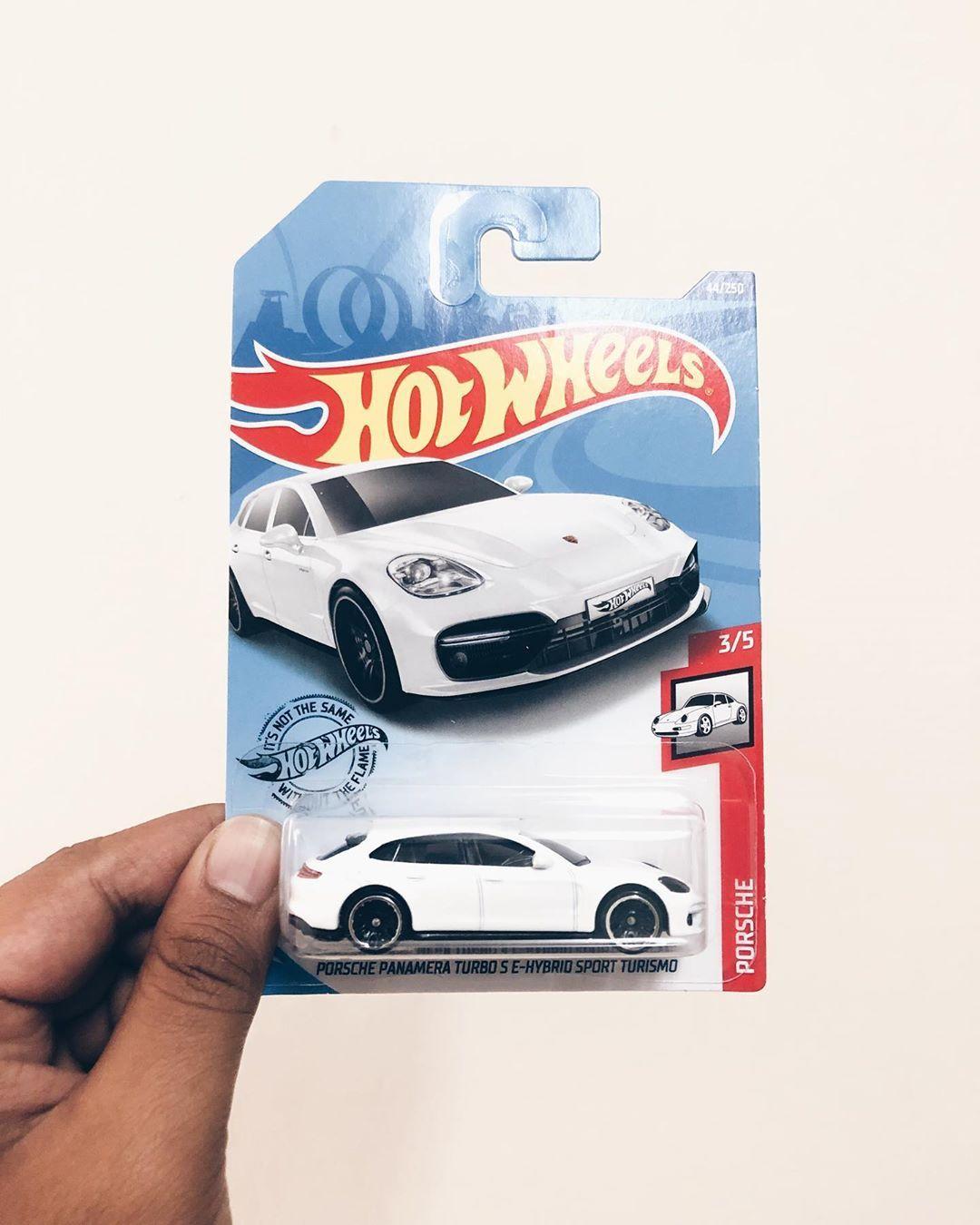 Hot Wheels® Porsche Panamera Turbo S E-Hybrid Sport Turismo . . . . . #hotwheels #diecast #hotwheelscollector #hotwheelsindonesia #diecastcars #matchbox #hotwheelspics #hotwheelsmalaysia #hotwheelskualalumpur #hotwheelscollection #hotwheelspics #hotwheelscollectors #diecastindonesia #diecastcollector #hotwheelsjakarta #diecastmalaysia #scale #hotwheelscollection #hotwheelsdaily #toys #speedmachines #hotwheelsmania #hotwheelsmalaysia #tomica #diecastphotography #mattel #hotwheelsaddict #hotwheels
