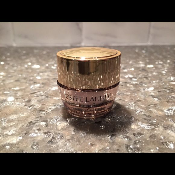 Estée Lauder Revitalizing Supreme Moisturizer Brand New! I have some great prices on my makeup, feel free to throw out some offers and make a bundle! Estee Lauder Other
