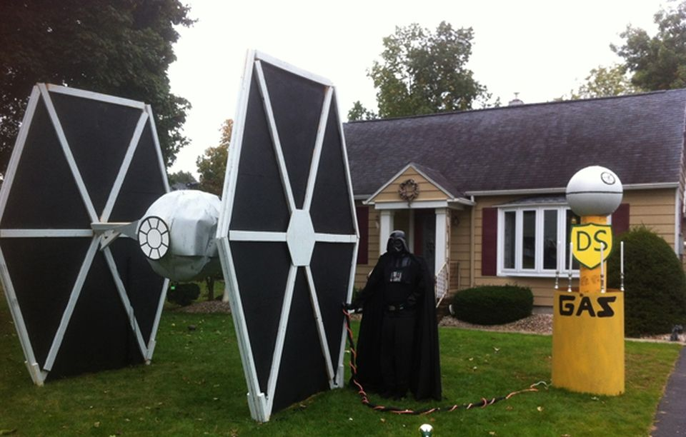 10 Tech Themed Halloween House Designs For Geeky Homeowners