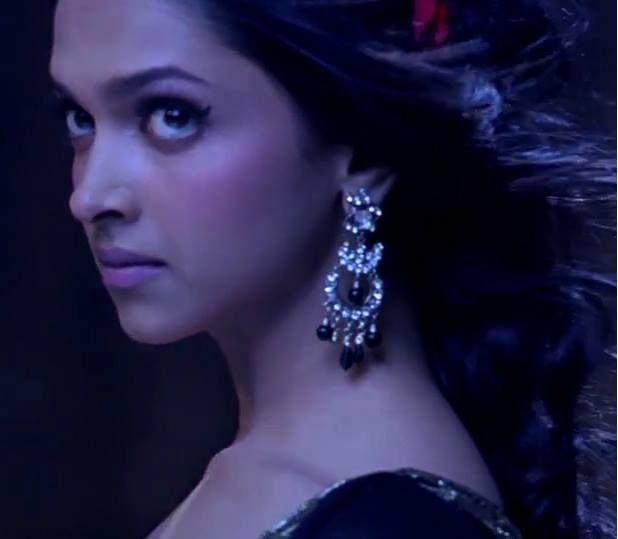 Deepika Padukone - Om Shanti Om - ॐ शांति ॐ - (2007 ...