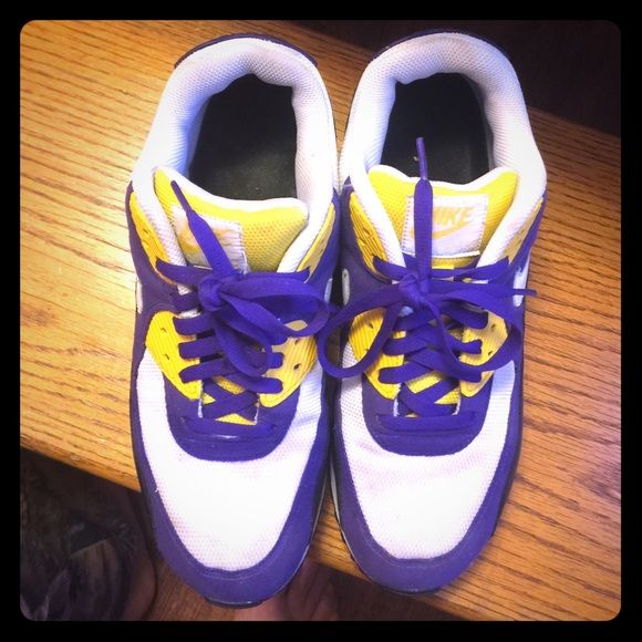 purple and gold nike air max
