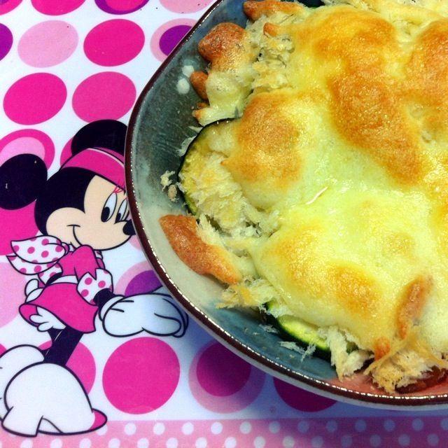 見た目はイマイチだけど…美味しかった! - 32件のもぐもぐ - ズッキーニとベーコンのオーブン焼き by 3simainohaha