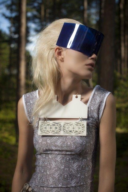 porcelain neckpiece spring summer 2012 collection shown on London Fashion Week