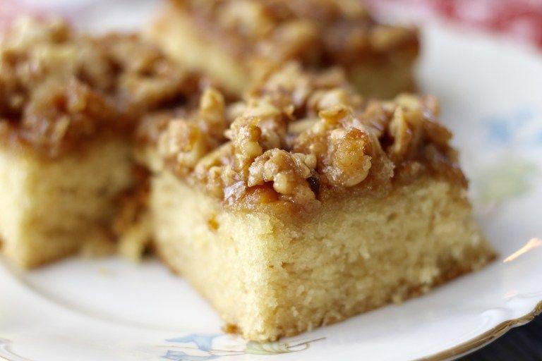 Buttermilch Kuchen mit karamellisierten Walnüssen - Tasty Matter