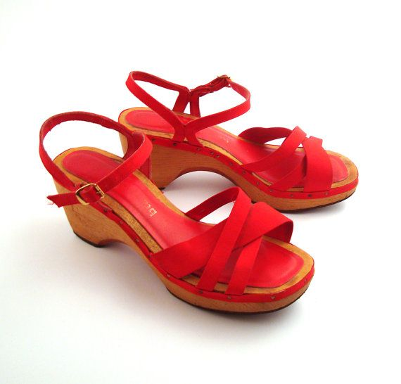 b55c95db2074b Bare Traps Sandals Vintage 1970s Red Shoes Platform Wood High Heel ...