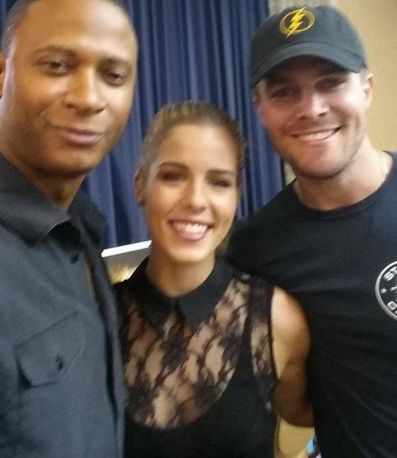 David Ramsey, Emily Bett Rickards and  Stephen Amell #SDCC #OriginalTeamArrow is now complete.