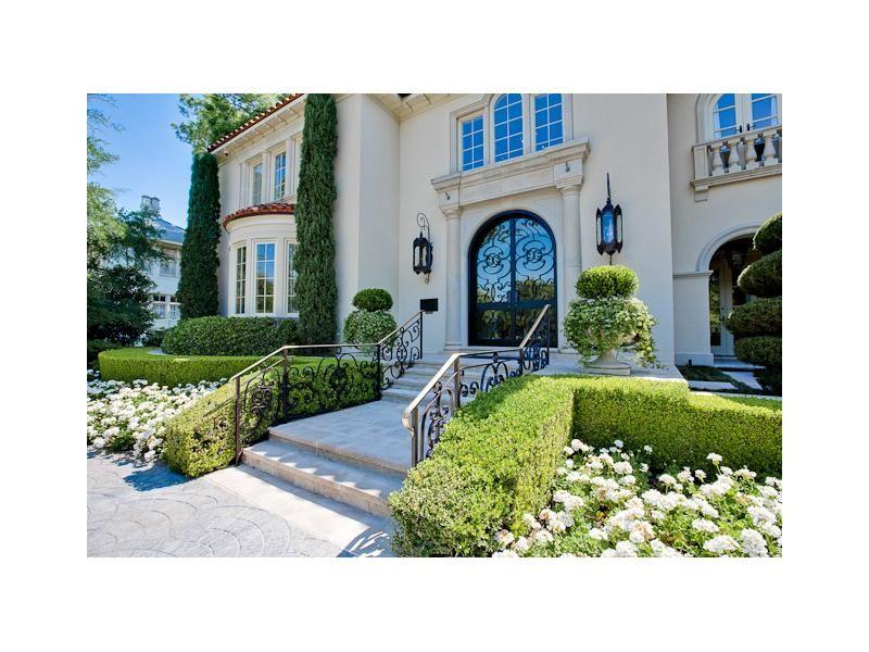 Italian cypress | courtyard ideas | Pinterest | Luxury real estate ...