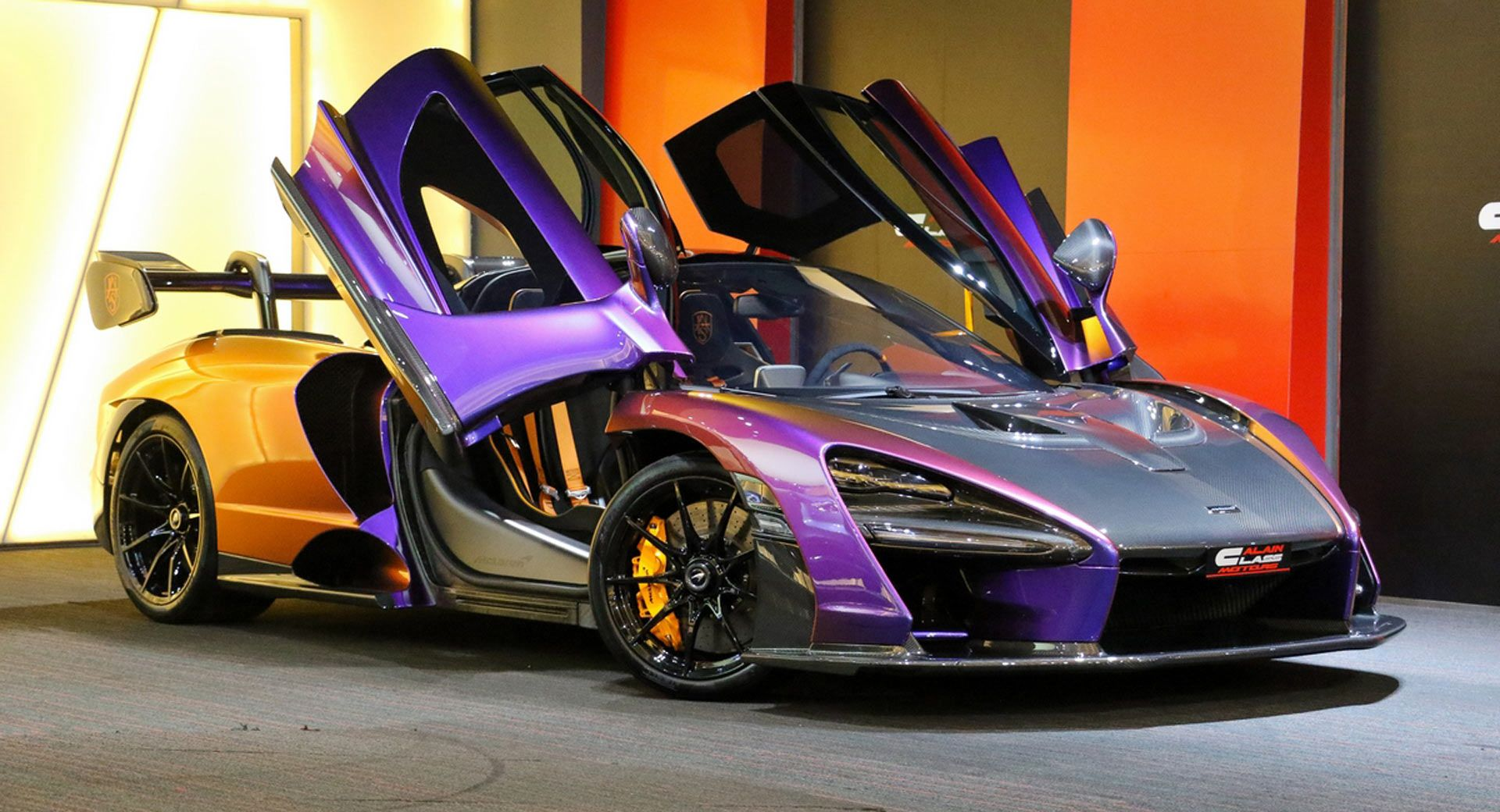 This Mclaren Senna Has A Paint Scheme Unlike Any Other Carscoops Senna Mclaren Exclusive Cars