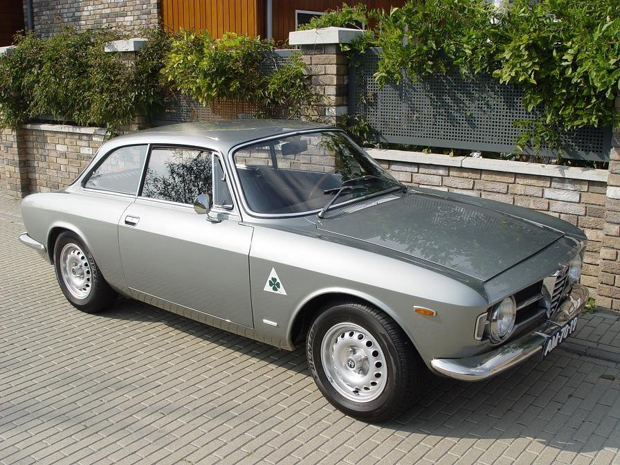 1969 Alfa Romeo Giulia GT 1300 Junior | Alfa romeo giulia, Alfa ...