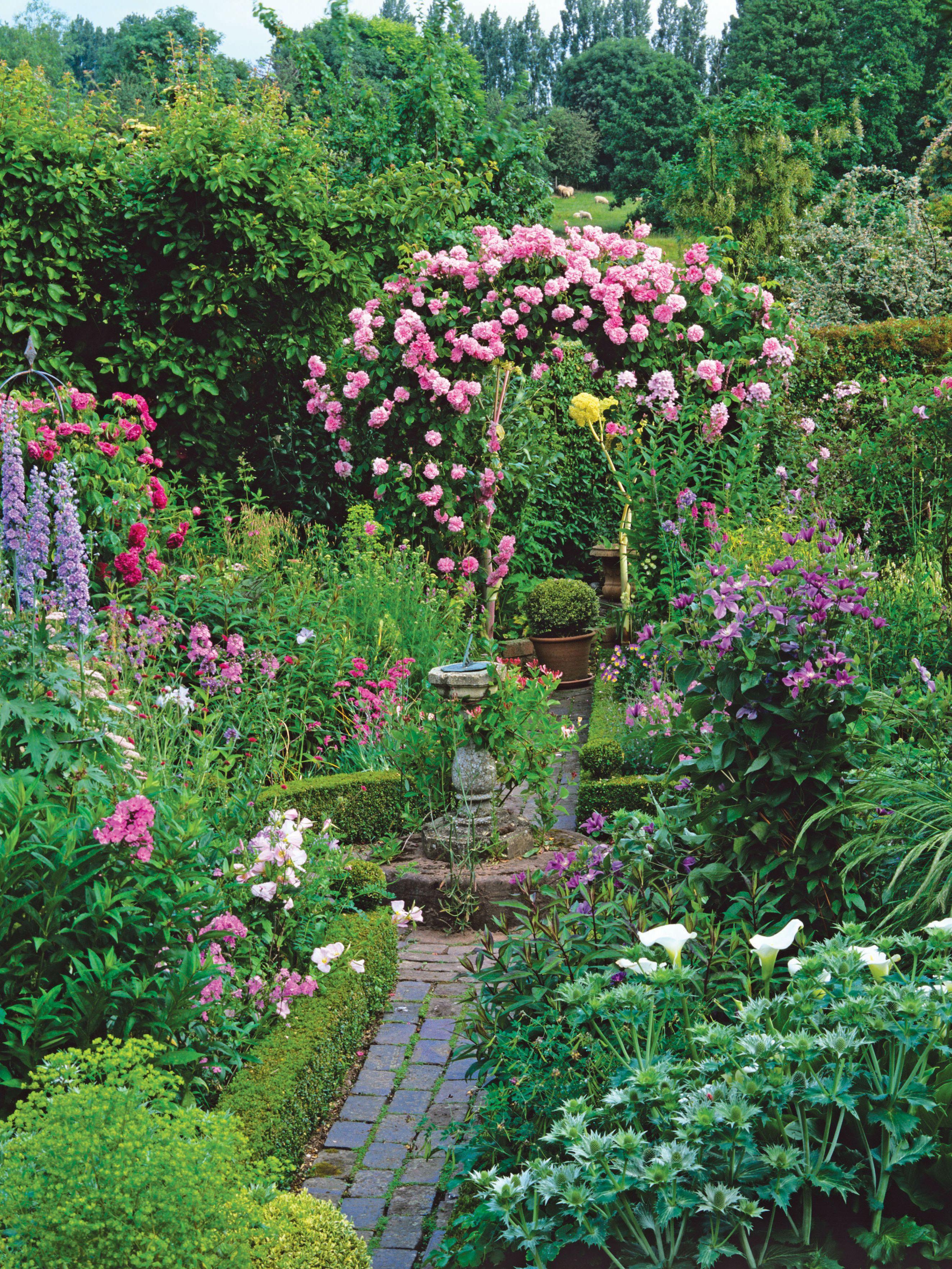Great Focal Point Small Cottage Garden Ideas Cottage Garden Design Beautiful Gardens