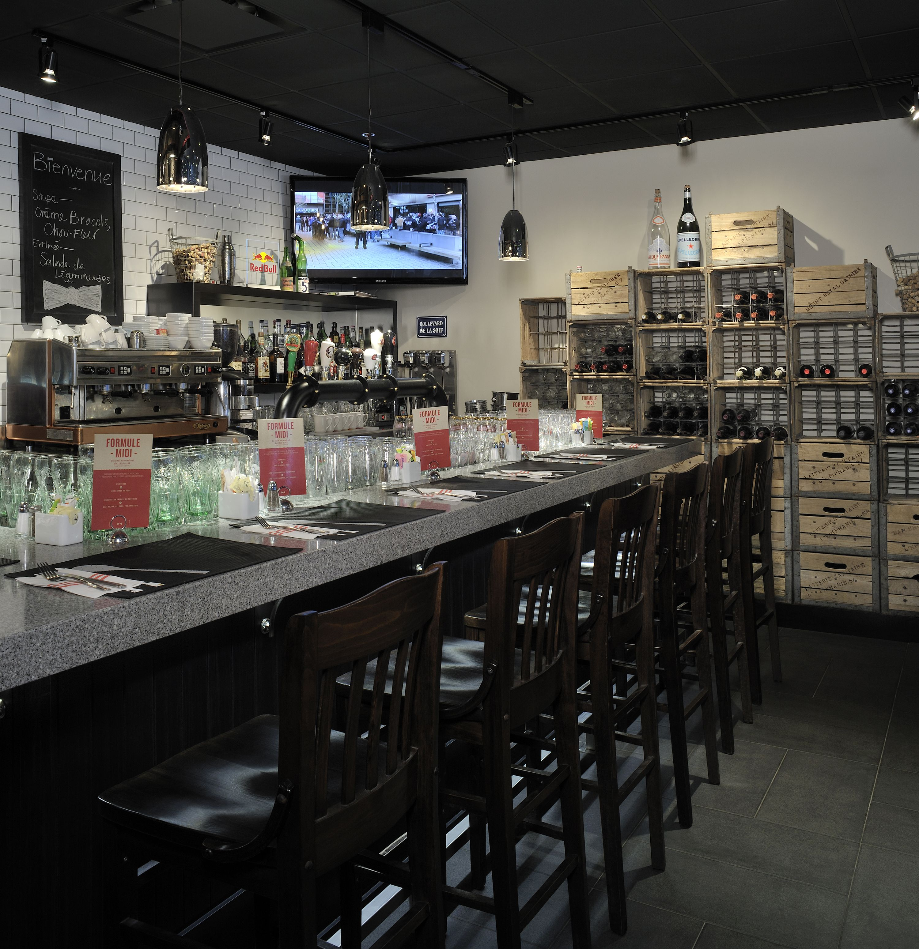 Lemaymichaud 3 Garcons Quebec Architecture Design Restaurant Eatery Hospitality Bar Bottles Wine Ce Architecture Design Design Architecture