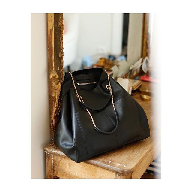 Sézane - Sac Gaby Définitivement le sac le plus beau et pratique signé  Sézane (idéal pour format A4)... Il est parfait car assez grand pour tout  transporter ... 365fb8793a1