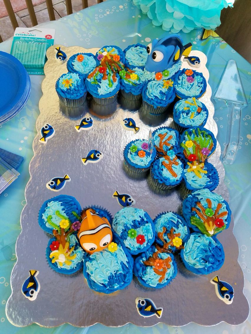 Finding Dory cupcake cake Entertain Me Pinterest Finding