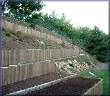Jardin en pente exemple d 39 am nagement d 39 une bute for Amenagement terrain