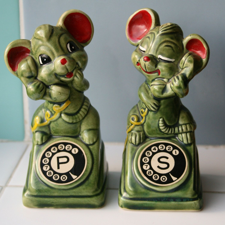 Vintage Mice Salt and Pepper Cellars / Shakers - So kitsch.