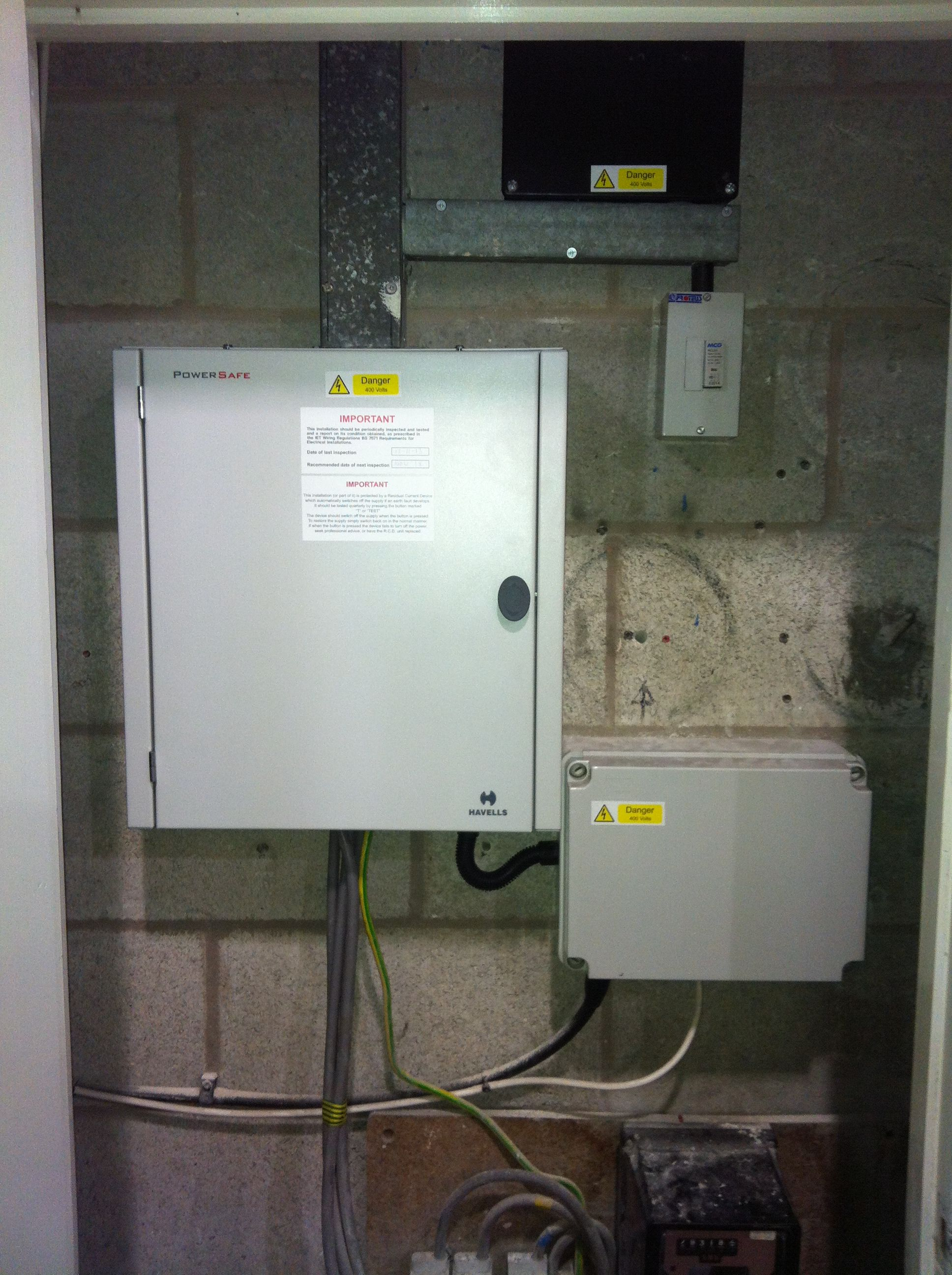 Main Distribution Board Replaced At A Local Shop Dec 2013 Havells Powersafe Boards Youtube