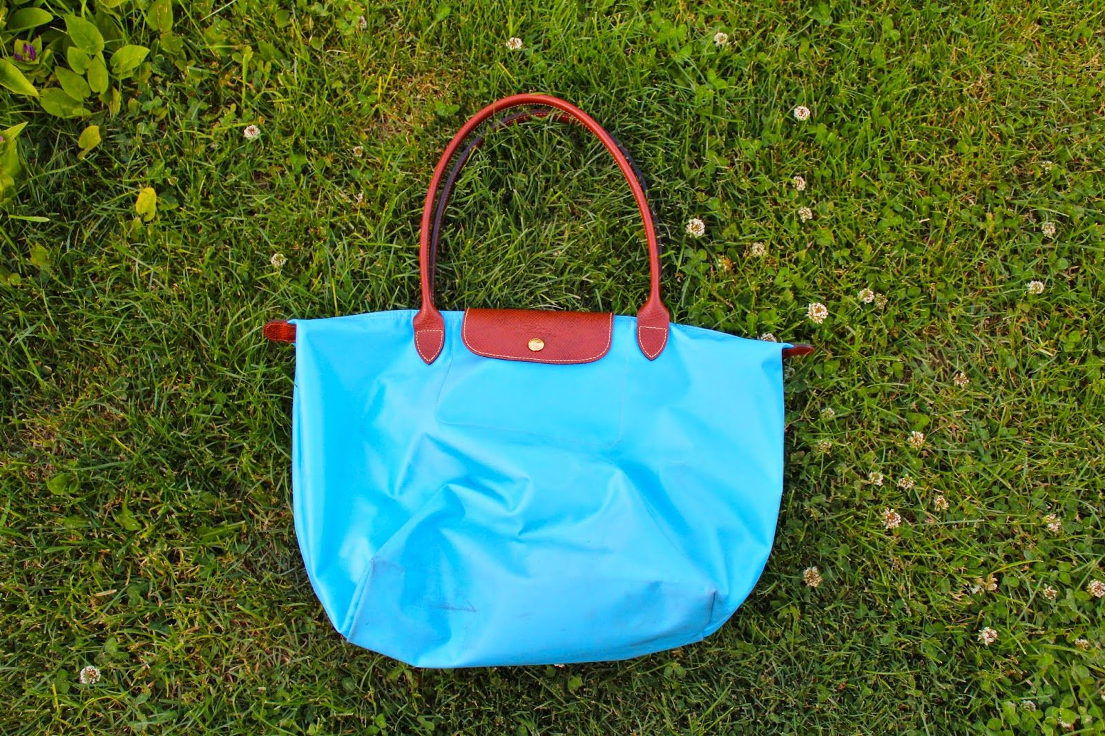 5ce50cdd81a4 How To Clean Your Longchamp