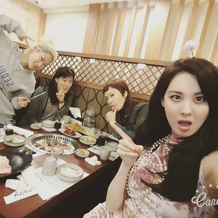 seojuhyun_s: 함께할수록 더 좋아지는..울 스타일리스트분들♡ 늘 에너지넘치는 개구쟁이 귀요미 민영씨♡ 우아하고 꼼꼼한 울 현진팀장님♡ 이제는 진짜..엄마같은 사랑하는 윤정팀장님♡ 모두..고생많으셨어요ㅠㅜ완전 사랑합니다❤