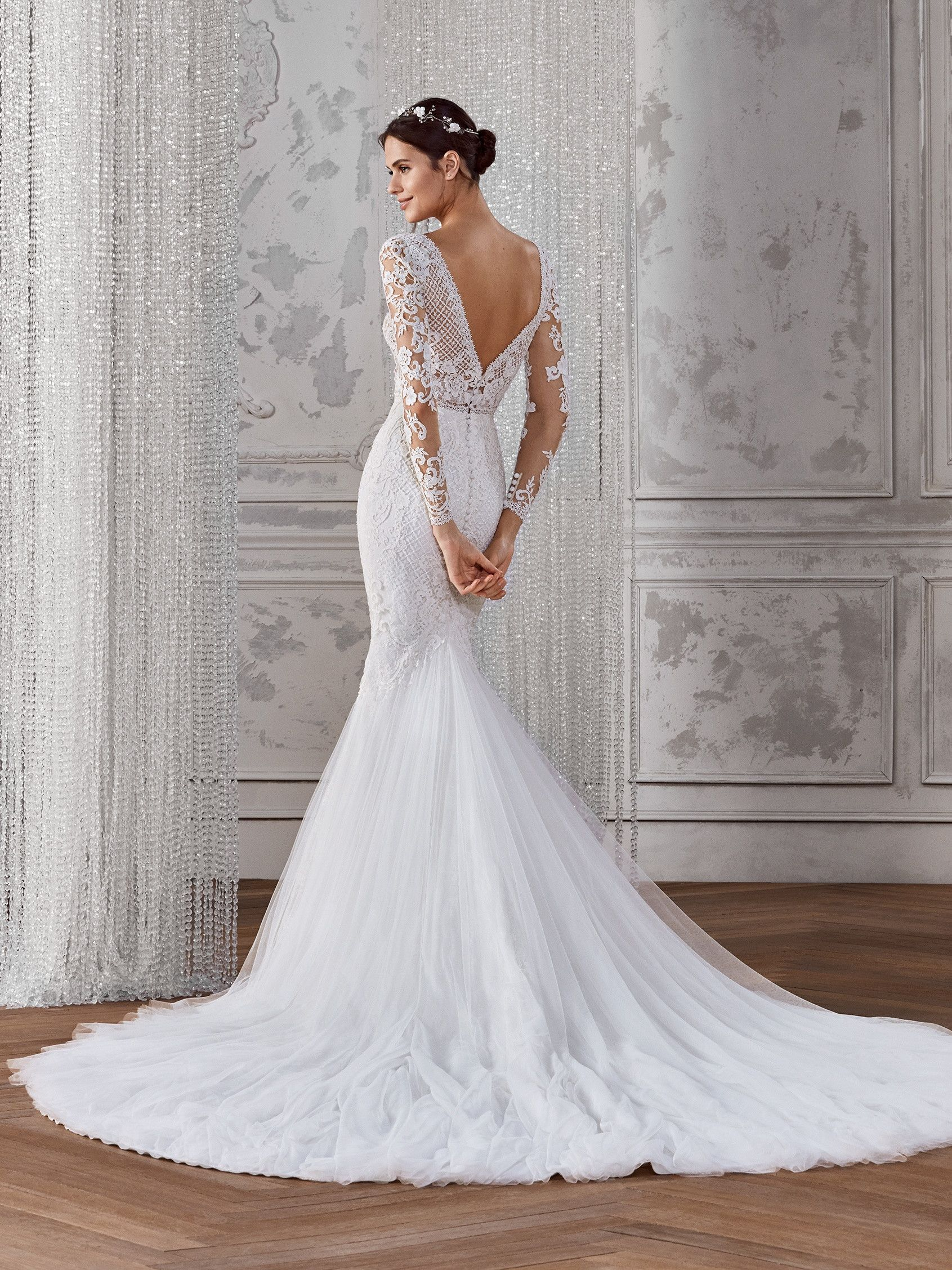 Kadie Long Sleeve Mermaid Wedding Dress With V Neck In 2020 Slim Fit Wedding Dresses Long Sleeve Mermaid Wedding Dress Fitted Lace Wedding Dress [ 2255 x 1691 Pixel ]