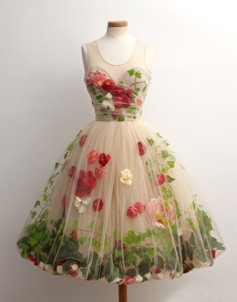 c1c42520e529 Beautiful 50 s style gauze dress by Chotronette with flowers and ivy  trapped between layers of fabric! Love this concept.