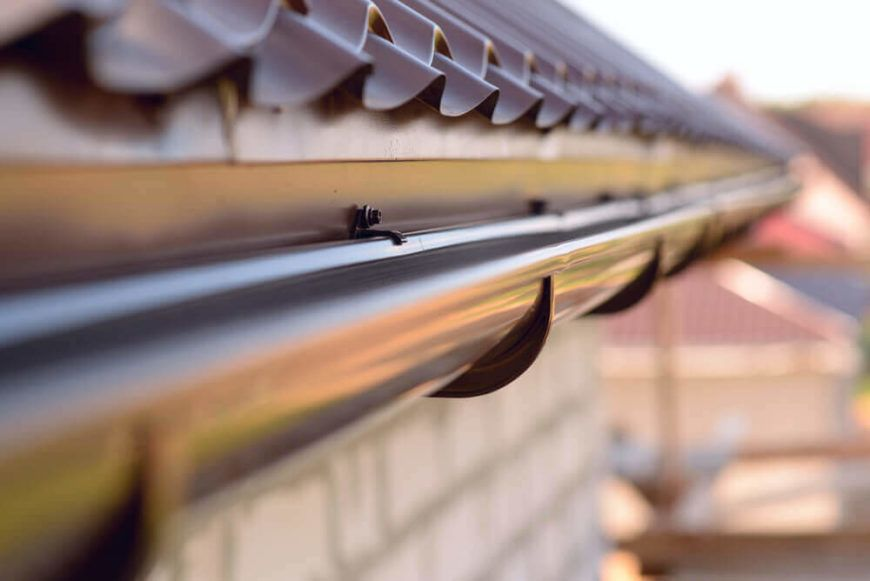7 Alternatives To Gutters On Houses House Gutters House Without Gutters Metal Roof Houses