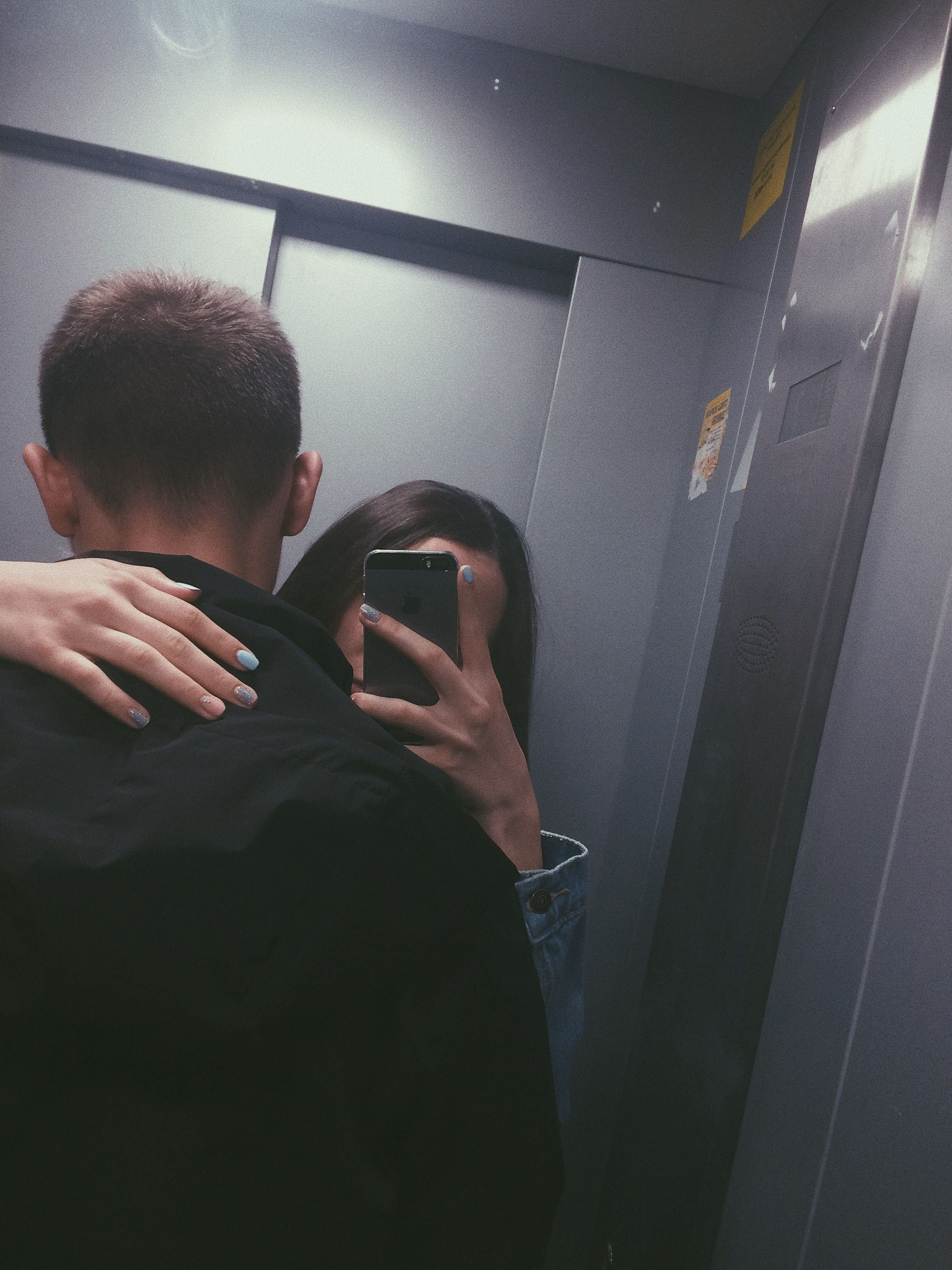 Картинки селфи девушка с парнем без лиц