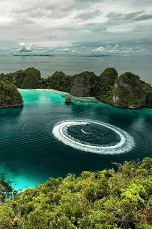 RAJA  AMPAT  Islands ,  Indonezia