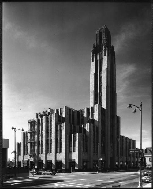 Arte Design In Los Angeles Images: Bullocks Wilshire Building, Los Angeles, 1975