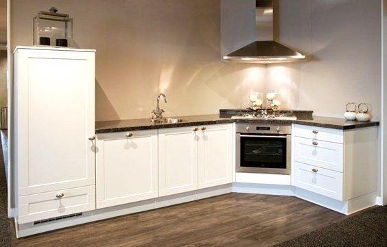Witte keuken inrichting huis