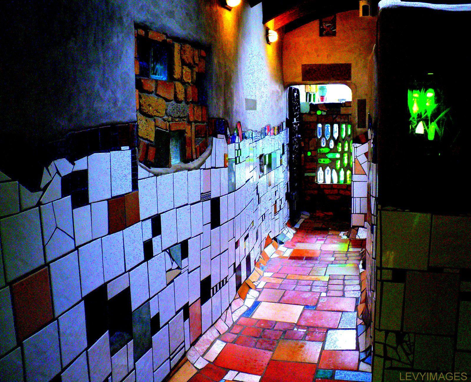Hundertwasser badezimmer ~ Inside of hundertwasser flats хундертвассер